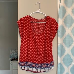 Trendy damask red and white patterned flowy blouse